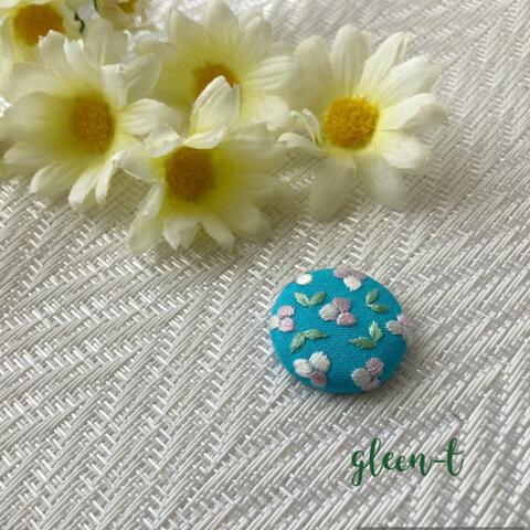 小さな花🌸ミニ刺繍ブローチ(ヘアゴム可)