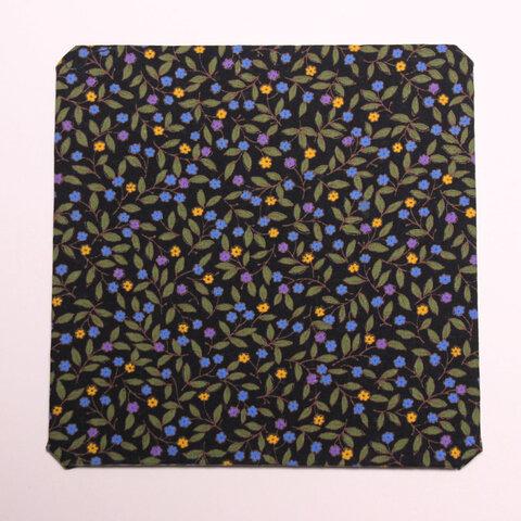 使いやすい!マウスパッド・小さな花・黒(正方形)