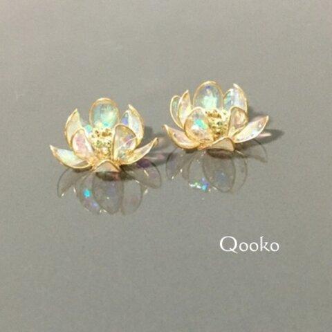 オパールの蓮の花
