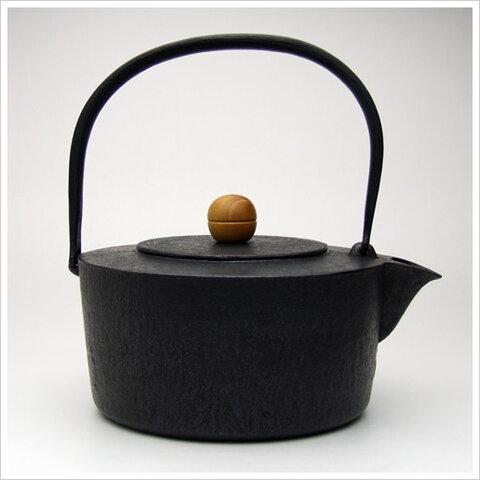 鉄瓶 くつろぎ(肌/1.4L)ユニバーサルデザイン