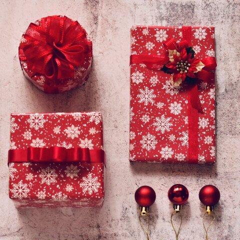 (A3)クリスマス ラッピングペーパー赤に映える雪の結晶 4枚