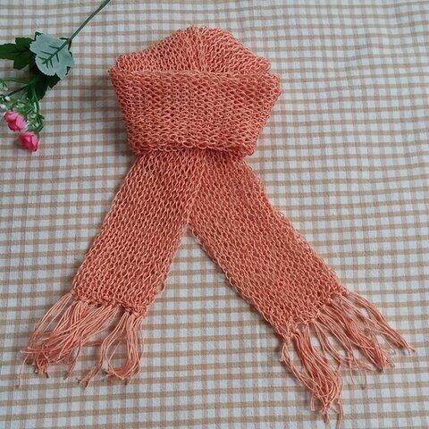 レース糸の輪編みマフラー(ペールオレンジ)