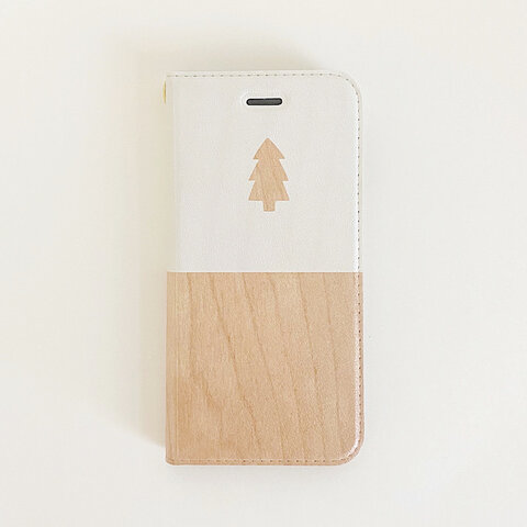 森の絵柄の、iPhoneケース (手帳型 / ベルトなし / ストラップ対応 / チェリー / バイカラー)