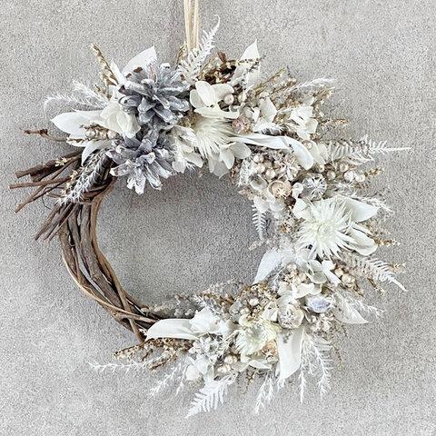 三日月リースL  クレッセント クリスマスプレゼント  プリザーブドフラワー ウェディング 結婚祝い 両親贈呈 プレゼント 花 ホワイト 綿の実 松ぼっくり ユーカリ