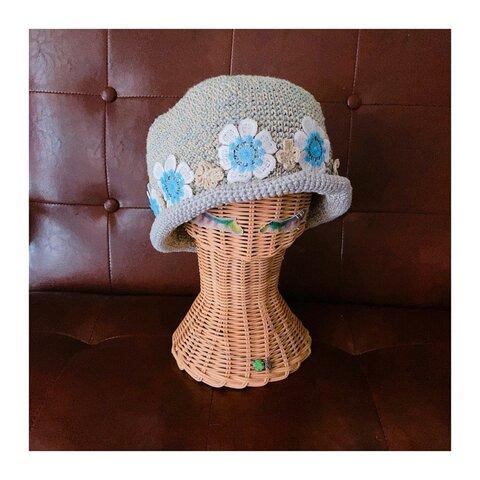 お花のアップリケが可愛いハット帽子