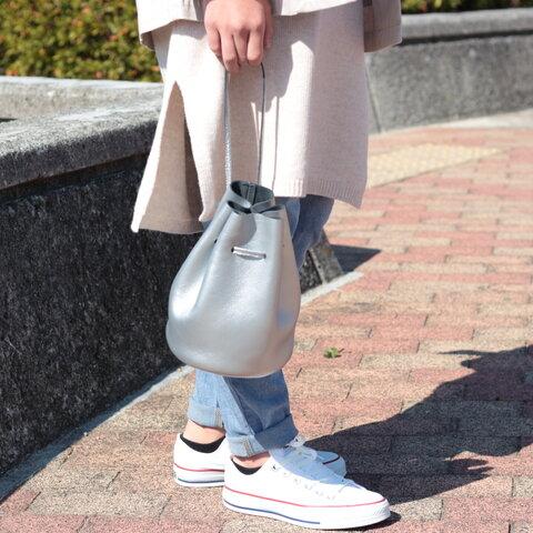 綺麗なシルエットの巾着バッグ ミニマム 本革 シルバー  ma-02ss