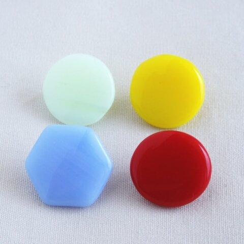 チェコ製ヴィンテージガラスボタン(4個) 4色セット