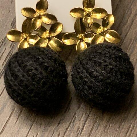 金の花 黒の玉