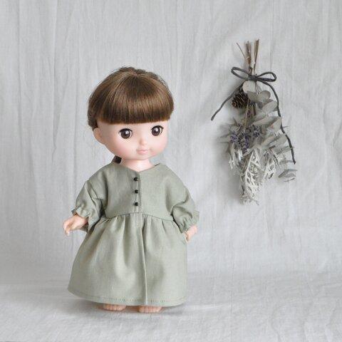 前開きのワンピース ピスタチオグリーン ソランちゃん レミンちゃん メルちゃん ネネちゃん等のお人形サイズのお洋服