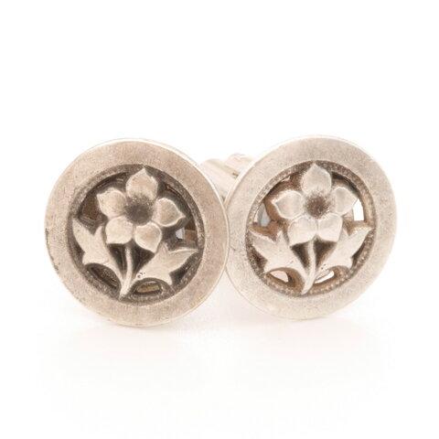 一輪の花がシックなカフスボタン Metal 104