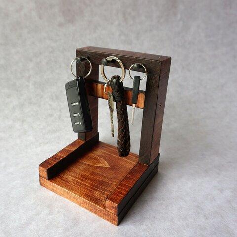 無垢材で作った「鍵かけ/小物かけ」 レトロ、アンティーク風 チェリー