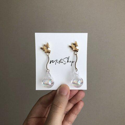 M.25 Butterfly bubble pierce earring