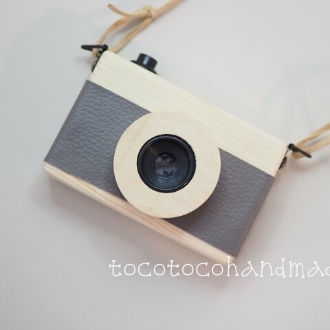 ☆tocotocohandmade☆木のカメラ☆大☆スモーキーグレー☆