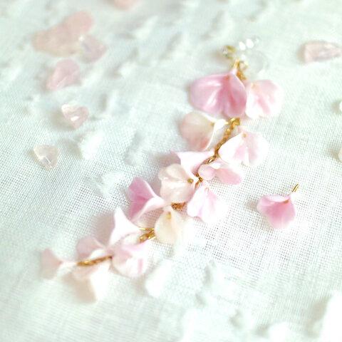 ✨桜のお砂糖菓子 花びら ネジバネ イヤリング  コーラルピンク 〜 舞 〜  振袖、袴など和装にも ✻再販✻