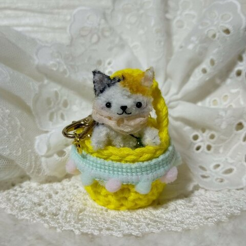 定形外送料無料 ミニミニポーチと小さな三毛猫ちゃん  モールアート ネコ イーマリー ミニチュア