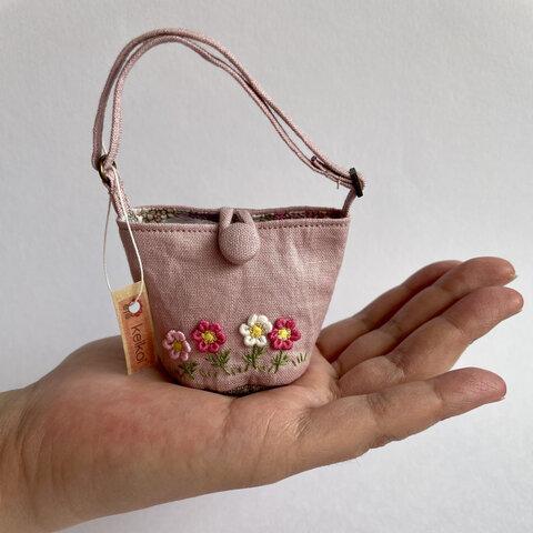 ミニチュア コスモス刺繍バッグ