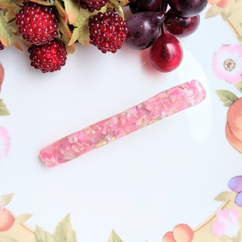 ピンクの花びらヘアクリップ