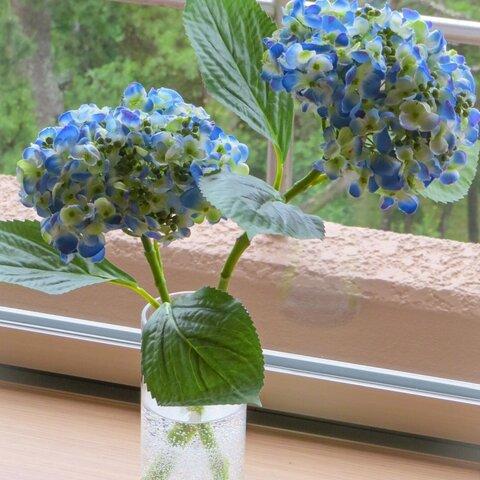 【新作】紫陽花~おたふく紫陽花ポップコーンブルー・お手間いらずの紫陽花インテリア~ガラス器とジェルの透明感でリラックス
