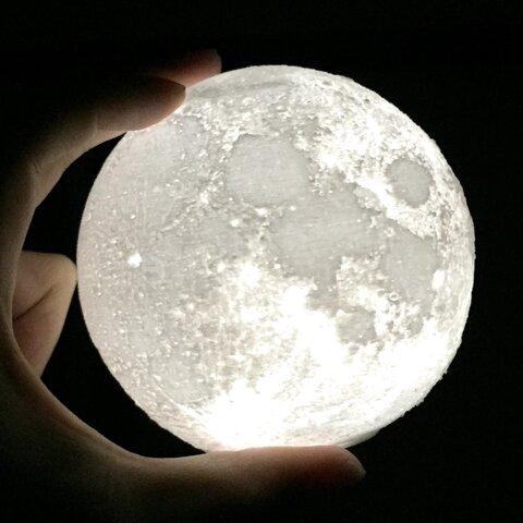 月のライトコードレス🌙ちょっと大きい10cmサイズ❗️電池式orUSB充電式