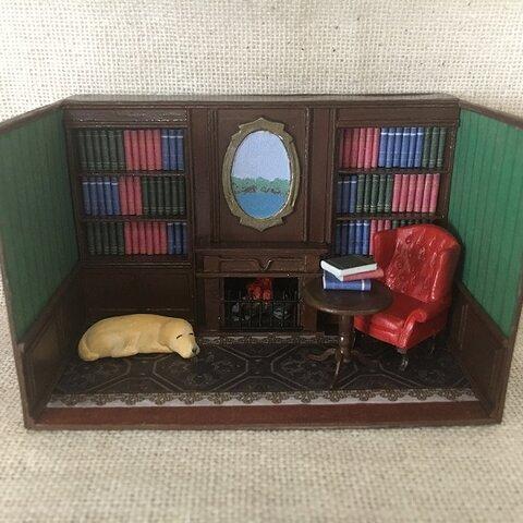 ミニチュア 暖炉のある書斎