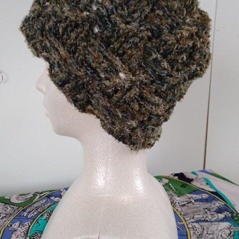 リッチモアのモールヤーンとダイヤのキラキララメ入りグラデーションの糸で編んだ、肌触りが良い帽子~~!