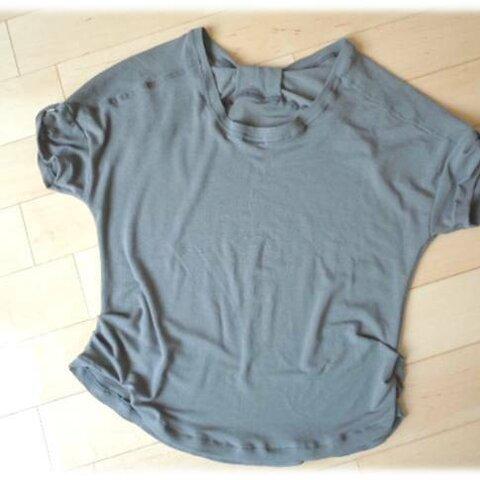 【処分価格】Sサイズ*バックリボンゆるTシャツ*カーキー色