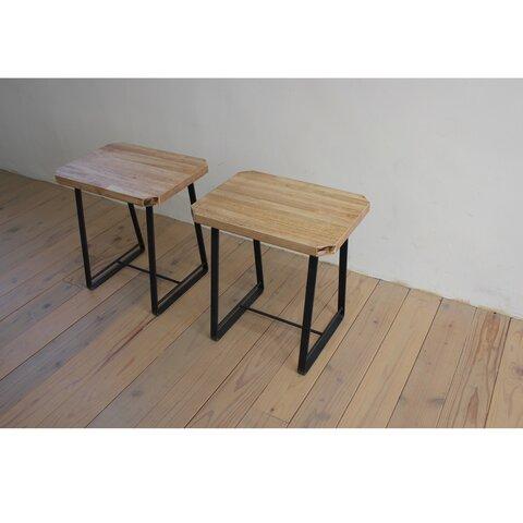 木とアイアンのスツール チェア ベンチ サイドテーブル併用 観葉植物 キャンプ 椅子 カフェ風 無垢板