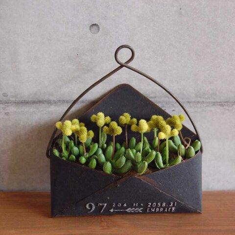 ◆フェイクグリーン◆ 多肉植物の寄せ植え  ブリキポット  T569