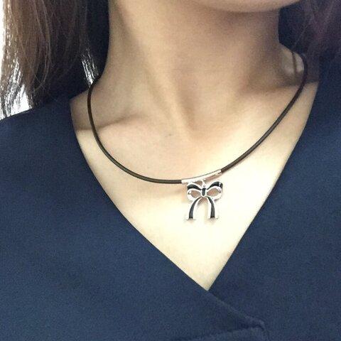★人気★オシャレなリボン型ペンダントトップのチョーカーネックレス