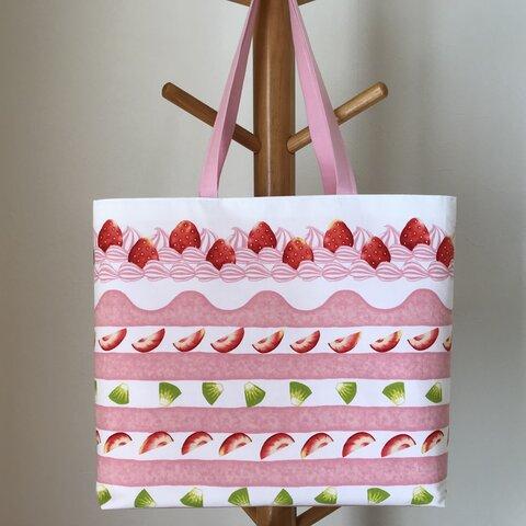 まるで本物!イチゴのケーキの大きめトートバッグ(ピンク)