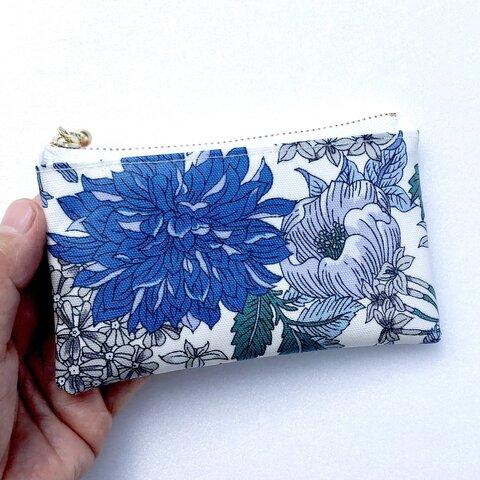 感謝セール品❤️北欧花柄ブルー 小銭入れ、印鑑入れ、ラミネートミニポーチ 12cmファスナー