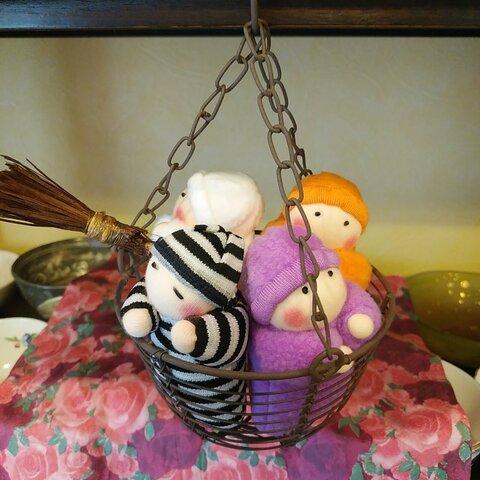 ハロウィーン赤ちゃん人形(かご付き)