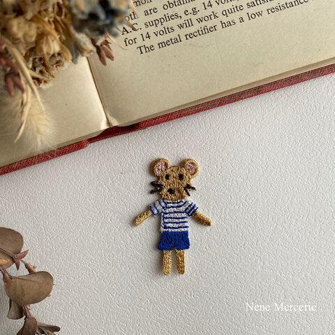ネズミの男の子Poireau(ポアロ)くん/刺繍アイロンワッペン