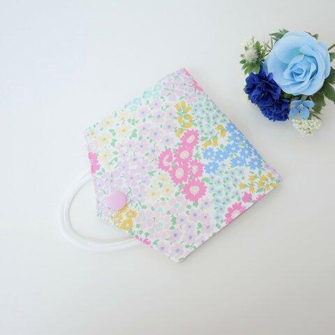 彩とりどりのお花のマスクケース〈ホワイト×ピンク〉