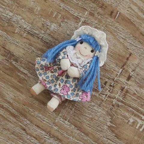 送料無料[089]ハンドメイド☆約7cmのちっちゃな女の子ドール☆ドール用