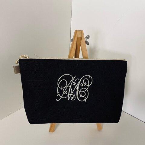 選べるイニシャル刺繍の帆布のペンケース  黒 紺