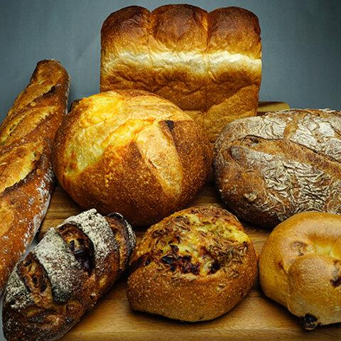 ガリッもちの食感、濃厚な生地の旨味。「もっと」こだわりのパンを集めたセット