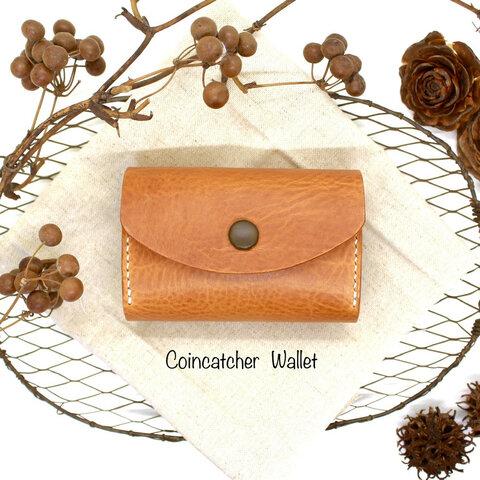 コインキャッチャーウォレット✨ イタリアンレザー 三つ折り財布 くるみボタンがアクセント  カラーオーダーも可能です。