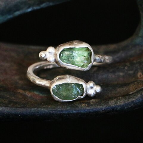 SALE*古代スタイル*天然グリーンアパタイト 指輪*フリーサイズ SV