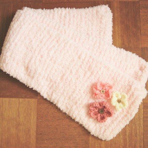 №181 お花モチーフ付きピンクのマフラー
