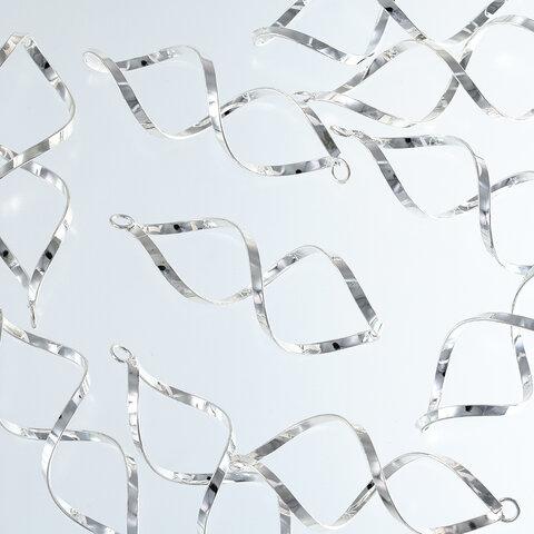 ひねり チャーム シルバー 58mm 白銀 10個 スパイラル スティック パーツ ヒネリ 金具 ハンドメイド アクセサリー 手芸 AP2569