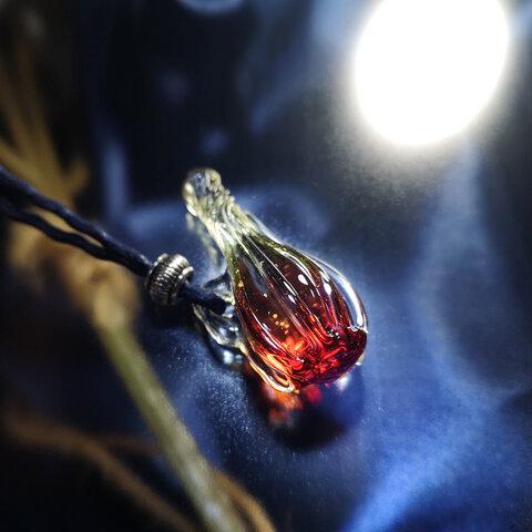 魔法の小瓶 赤の世界 20211012-1