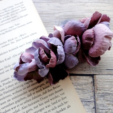 花びらのバレッタ ■ ふんわり優しいシルエット ■ パープル