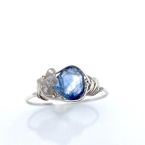 Retro moon - カイヤナイトとダイヤモンドのワイヤーリング 天然石