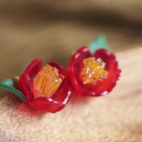 椿のイヤリング