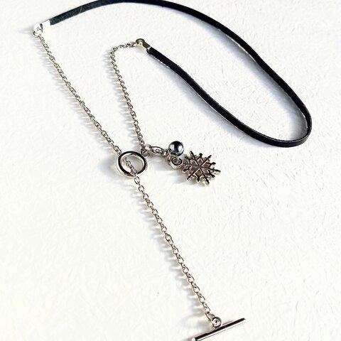 本革紐×マンテル&雪の結晶ネックレス