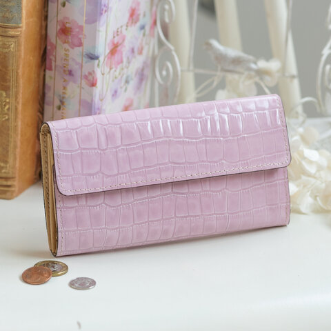 【永久無料保証】大人かわいい♪ エナメルクロコの型押し牛革 ローズ フラップ式 長財布