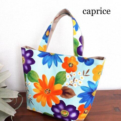 カラフルな花柄トートバッグ