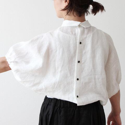 バックくるみ釦が大人かわいいボリューム袖フレンチリネンブラウス五分袖:ホワイト