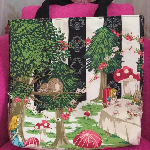 トートバッグ 女の子柄 トランプ柄 ネコ柄 ウサギ柄 外出用品 お出かけバッグ ハンドメイドバッグ